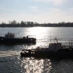 два корабля, навстречу, против солнца Дон